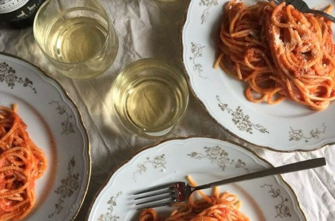 wines to drink with amatriciana pasta